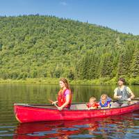 Canoe-camping on the Jacques-Cartier River